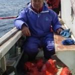 3月27日 深海乗合、キンメ小型主体中型混ざり1人13~41匹、アコウ35~57cm1人0~5匹@サバ、カサゴ混ざり